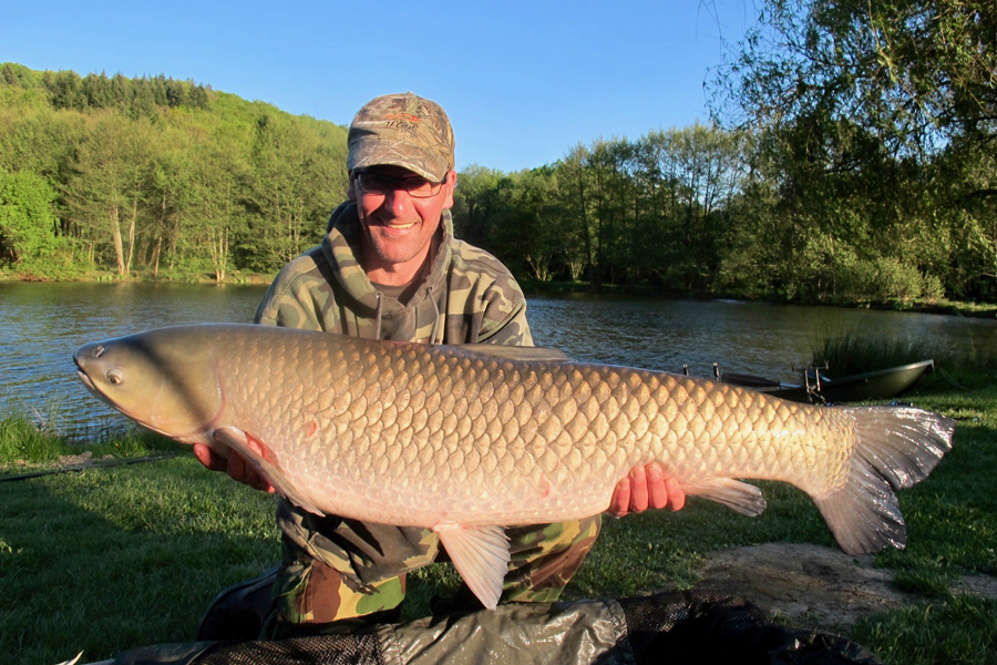 Grass carp photo gallery Etang de Azat-Chatenet fishing lake in France